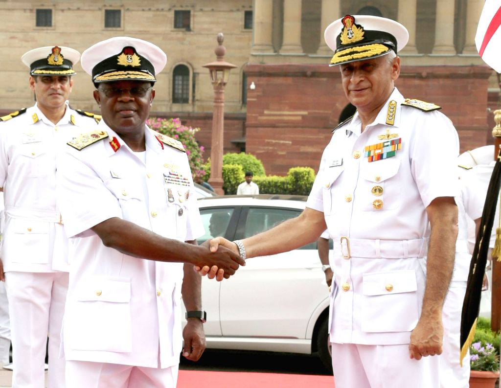 Chief of the Naval Staff, Nigerian Navy, Vice Admiral Ibok-Ete Ekwe Ibas meets Chief of Naval Staff, Admiral Sunil Lanba, in New Delhi on July 16, 2018.