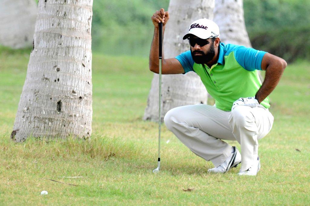 Chikkarangappa in action during Open Golf Championship 2016, in Bengaluru on Oct 20, 2016.