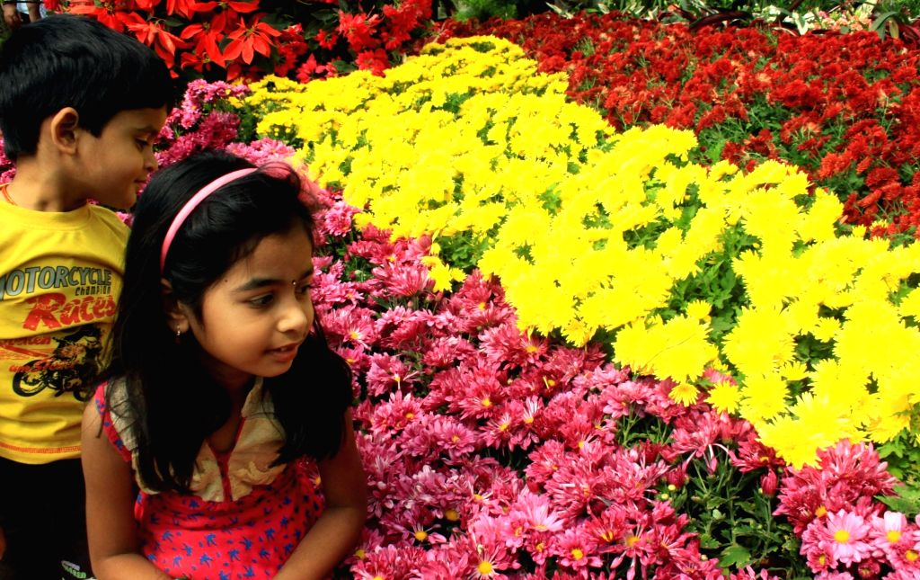 Children at the inauguration of the annual Republic Day National Flower Festival 2016 at Lalbagh, in Bengaluru, on Jan 16, 2016.