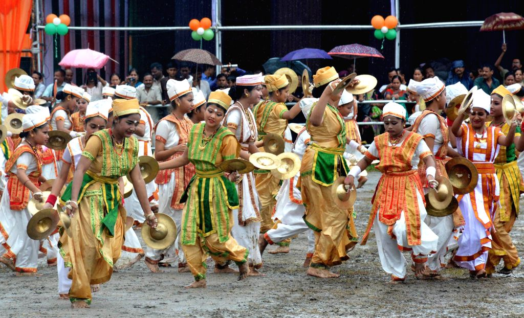 Children perform `Bhor Taal Nritya` during Independence Day celebrations at Veterinary Field in Guwahati on Aug 15, 2014.
