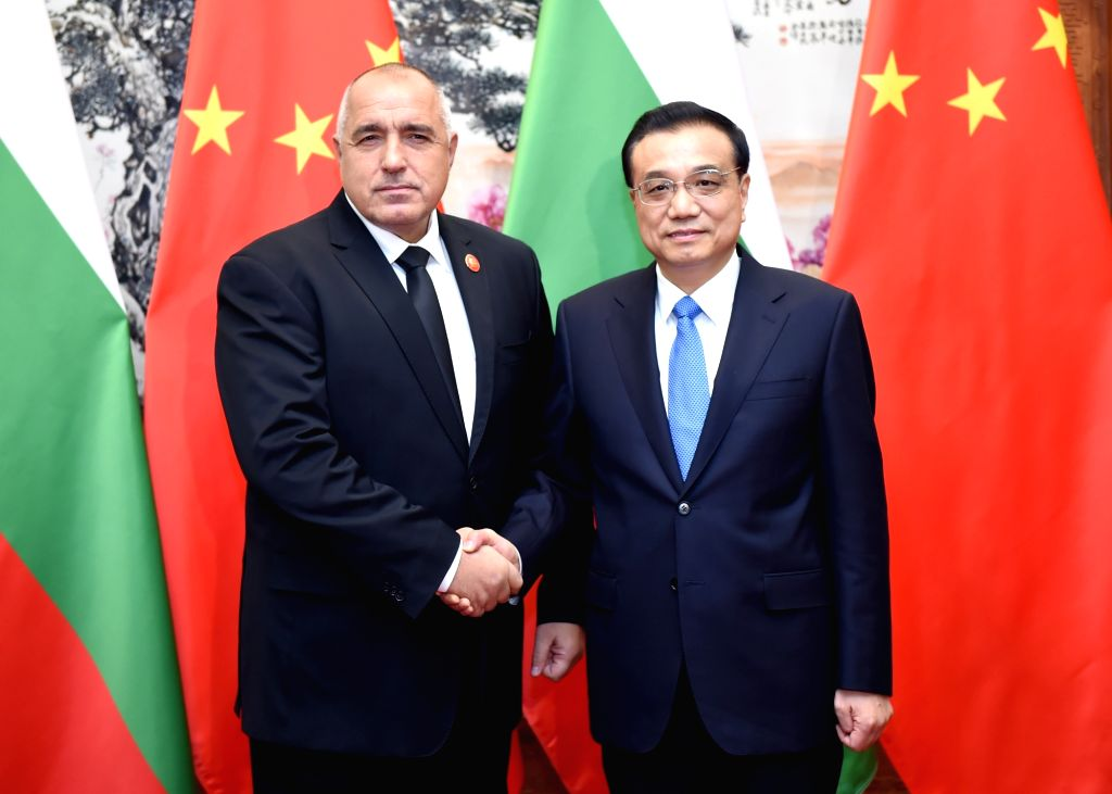 Chinese Premier Li Keqiang (R) meets with Bulgarian Prime Minister Boyko Borissov in Beijing, capital of China, Nov. 26, 2015. Boyko Borissov was in China to attend ... - Boyko Borissov