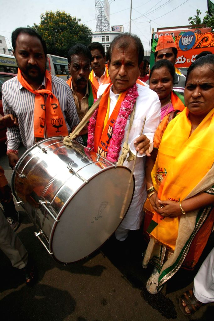 Chintala Ramachandra Reddy, the BJP candidate from Khairatabad constituency during an election campaign in Hyderabad on April 25, 2014. - Chintala Ramachandra Reddy
