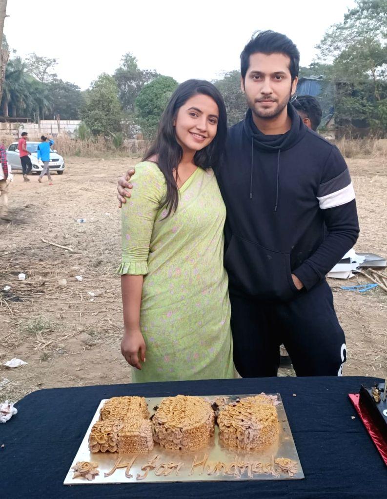 """Chipta Chipta nahi... 36 aayengi, 36 jayengi teri wali teri mummy layegi"" -- was Paras Chhabra's mother Ruby Chhabra's catty reply to her son's growing fondness towards co-contestant Mahira Sharma. In a latest promo clip, Ruby is seen warning Paras: - Mahira Sharma"