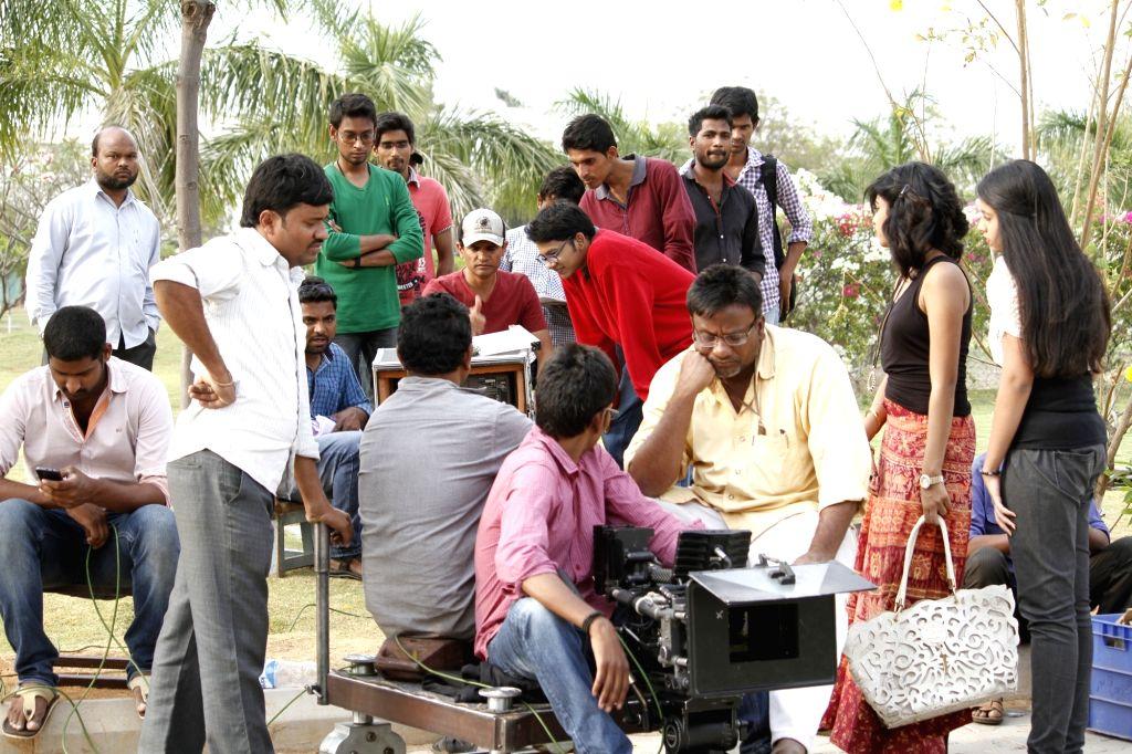 Chiru Godavalu Movie Working stills