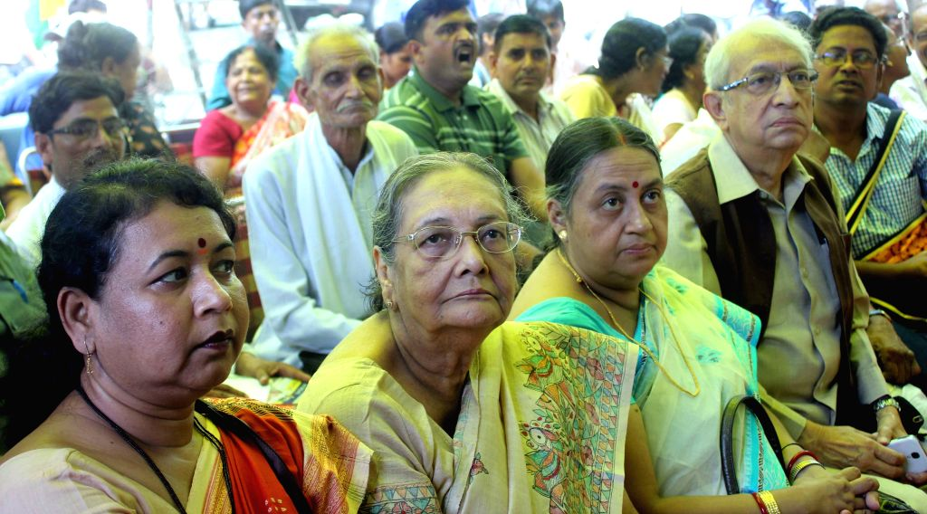 Chitra Ghosh, S.N Bose and Abhijit Ray - the relatives of Netaji Subhas Chandra Bose during a demonstration at Jantar Mantar in in New Delhi, on Aug 18, 2015. - Chitra Ghosh and N Bose