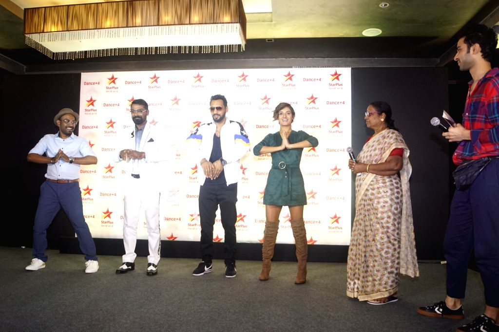 Choreographer-film director Remo D'Souza along with his mother Madhaviyamma Nair, choreographers Shakti Mohan, Punit Pathak, Dharmesh Yelande during a media interaction to promote their ... - Remo D and Punit Pathak