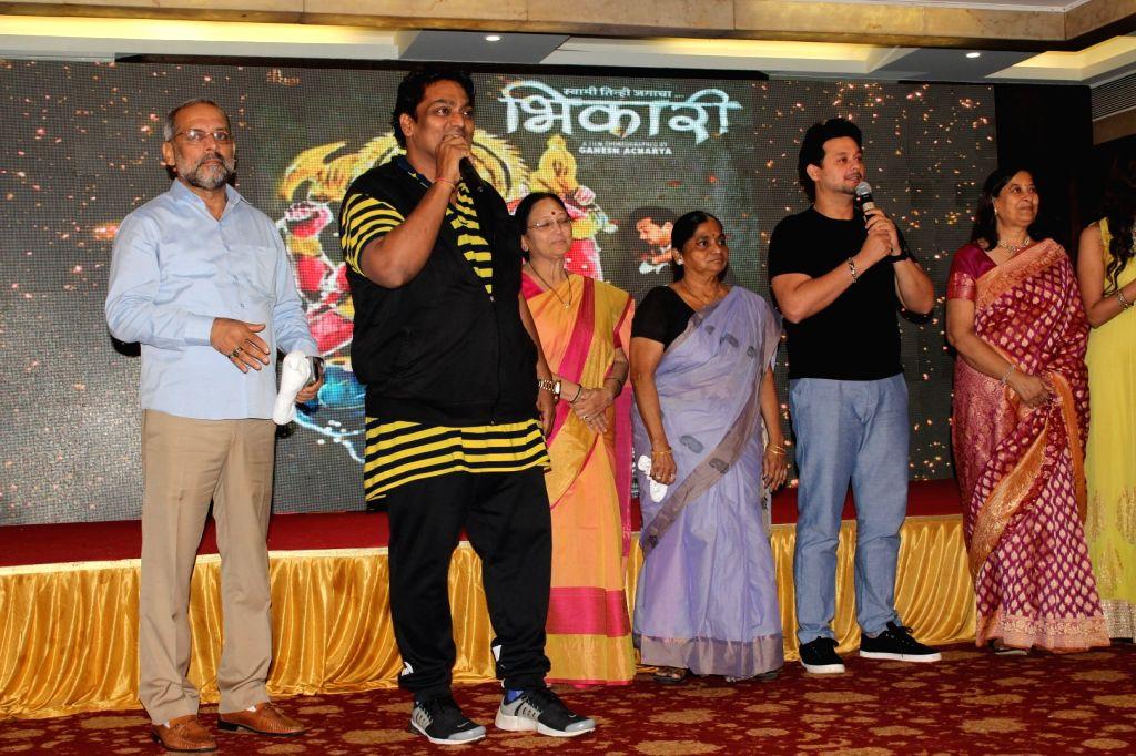 """Choreographer Ganesh Acharya and actor Swapnil Joshi at the launch of ''Maagu Kasa'' - a song from upcoming film """"Bhikari"""" in Mumbai, on July 5, 2017. - Swapnil Joshi"""