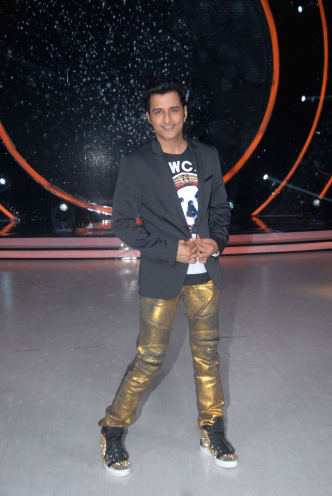 Choreographer Ganesh Hegde during the promotion of film Kaabil on the sets of Jhalak Dikhhla Jaa Season 9, in Mumbai on Oct 25, 2016.