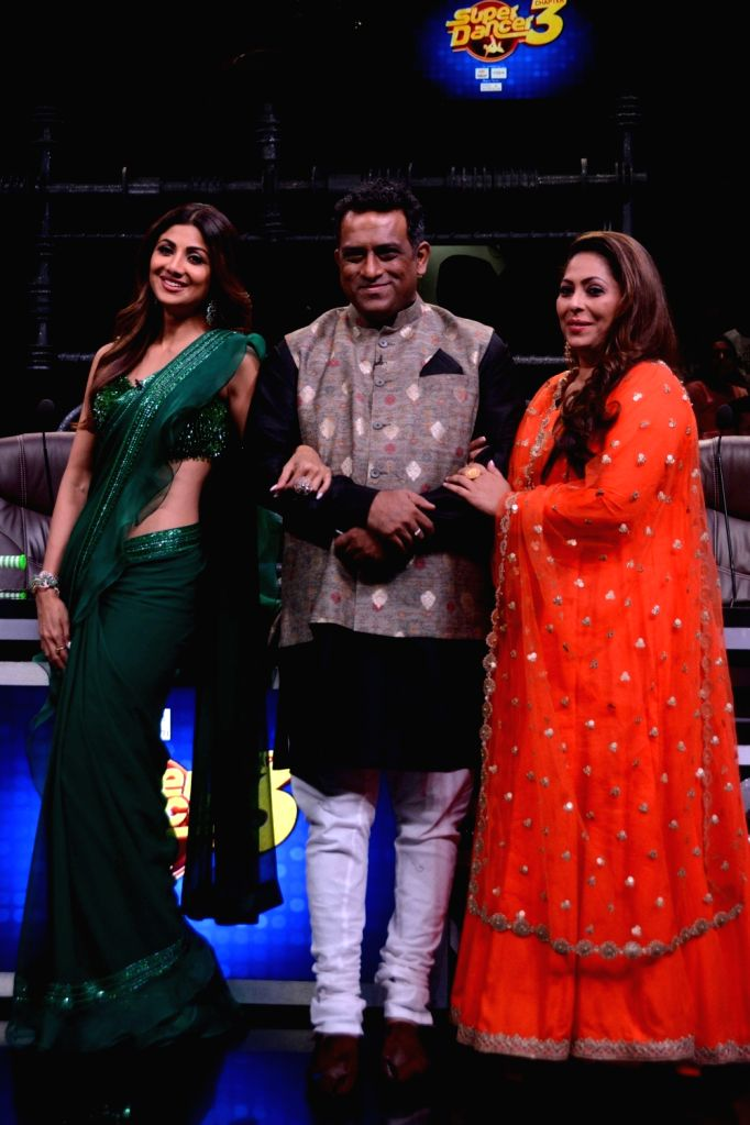 "Choreographer Geeta Kapoor, director Anurag Basu and actor Shilpa Shetty on the sets of dance reality show ""Super Dancer 3"" in Mumbai, on April 30, 2019. - Anurag Basu, Shilpa Shetty and Geeta Kapoor"