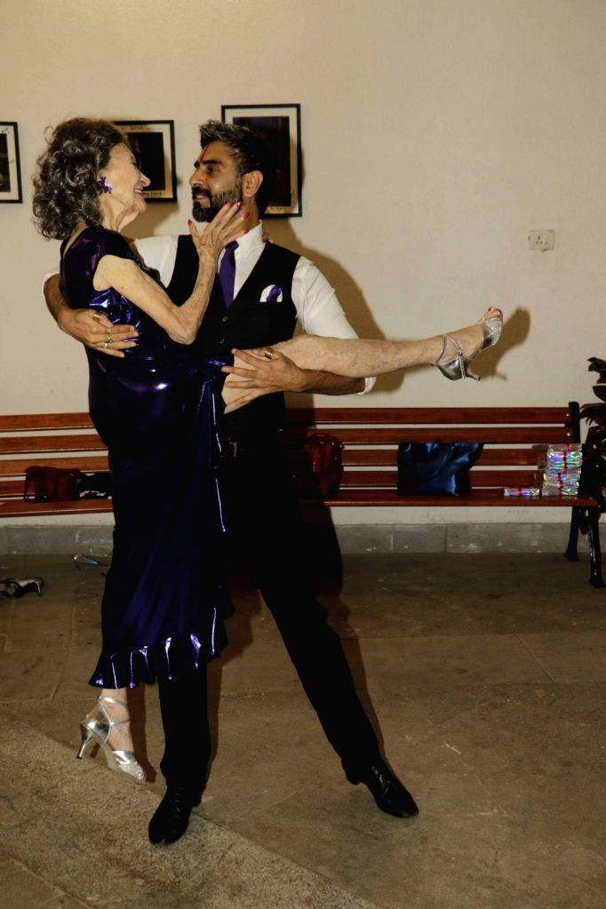 Choreographer Sandip Soparrkar with Armenian champion ballroom dancer Tao Porchon Lynch during the launch of book The Dancing Light in Mumbai on Dec 26, 2015