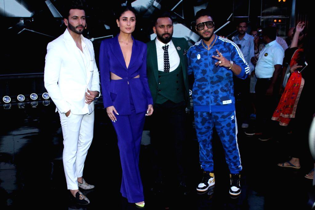 "Choreographers Punit Pathak and Bosco Martis, rapper Raftaar and actress Kareena Kapoor Khan on the sets of dance reality show ""Dance India Dance"" in Mumbai, on May 30, 2019. - Kareena Kapoor Khan and Punit Pathak"