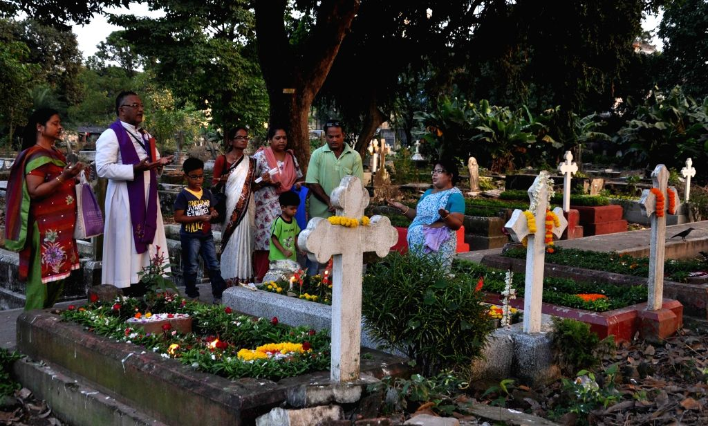 Christians observe All Souls Day  in Kolkata, on Nov 2, 2015.