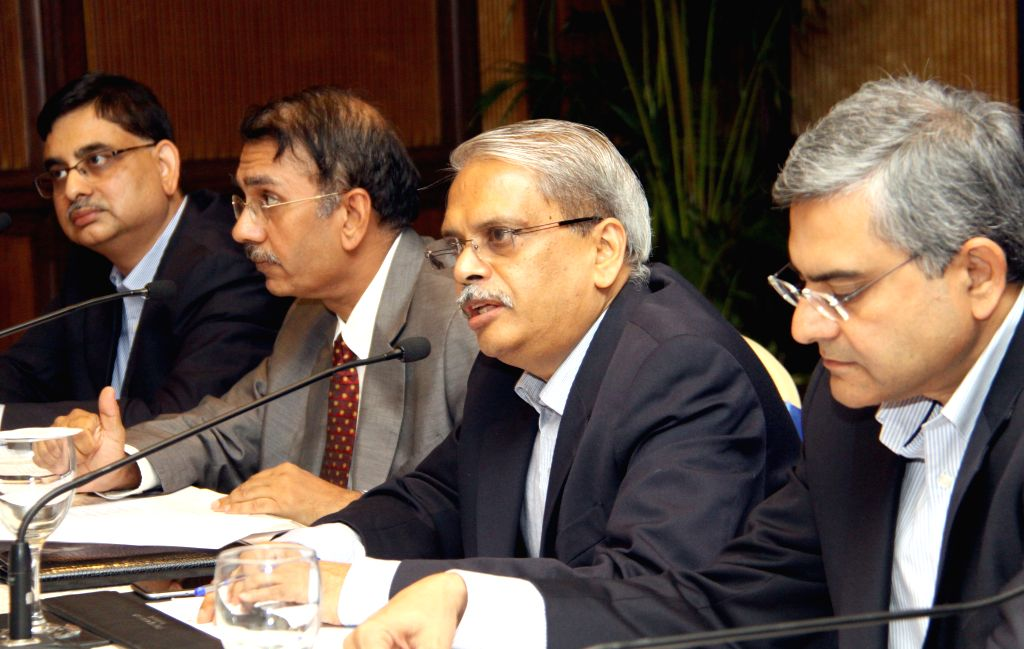 CII Karnataka Chairma Shekar Viswanathan, past president of the CII Kris Gopalakrishnan, 3M Managing Director (India), Amit Laroya, Crayon Data Pte co-founder and CTO Vijay Kumar Ivaturi ... - Vijay Kumar Ivaturi