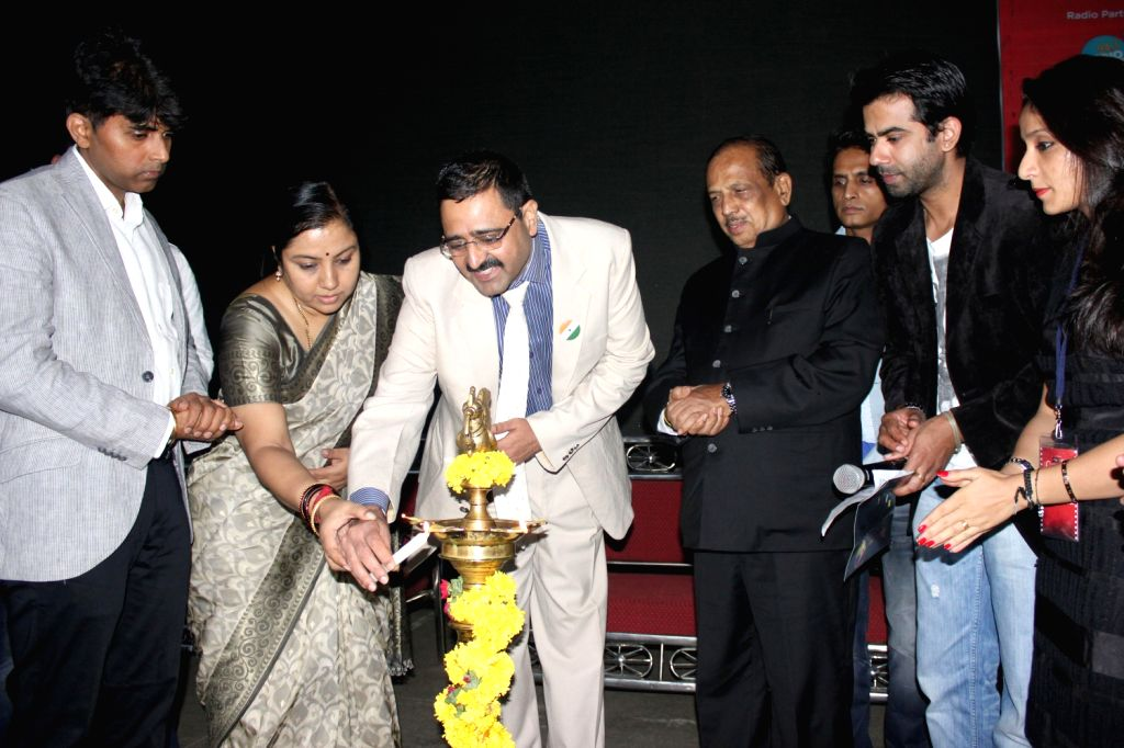 City Police Commissioner, Ragavendra Auradkar and Actress Tara inaugurate The Indian Independent Film Festival at Freedom Park in Bengaluru on August 16, 2013. (Photo::: IANS) - Tara