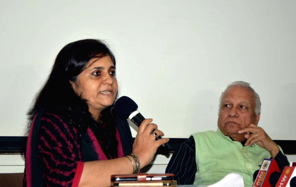 Civil rights activist Teesta Setalvad addresses a press conference in Mumbai, on Nov 27, 2017.