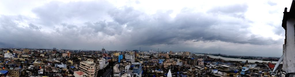 Cloud covered the sky in Kolkata on Tuesday, 25 May, 2021.