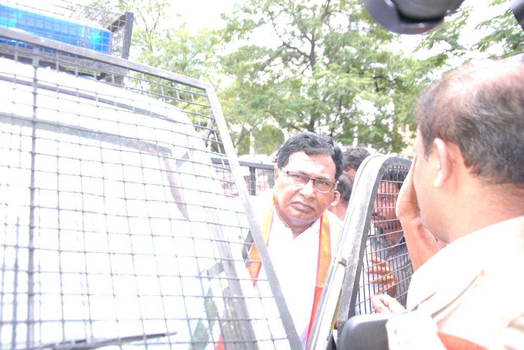 CLP leader K Jana Reddy being detained by police from proceeding to the Mallanna Sagar project site in Medak district; in Hyderabad, on July 26, 2016. - K Jana Reddy