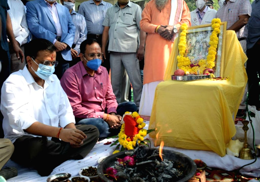 CM Kejriwal lays foundation stone for 1500 bed block in LNJP hospital.
