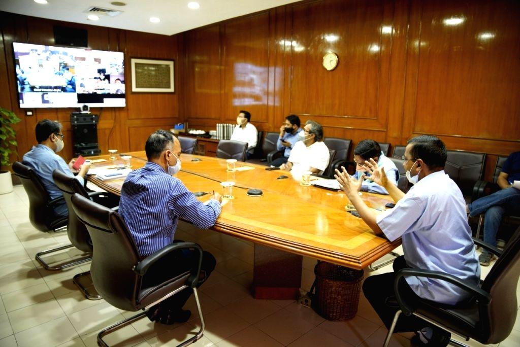 CM's meeting with three MCD Commissioners-Mayor on Corona.
