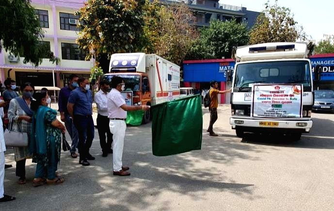 CMO flags off Covid-19 Mobile Vaccination Van in Gurugram (Credit : PFA.)