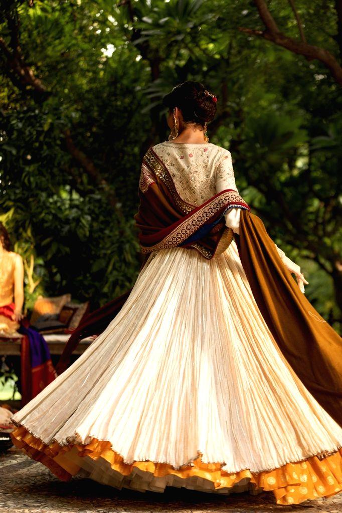 Collection By Designer Anju Modi @ FDCI ICW 2020. - Anju Modi