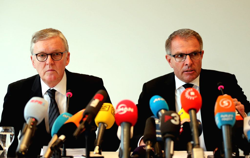 """Lufthansa chief executive Carsten Spohr (R) and Germanwings CEO Thomas Winkelmann attends a press conference in Cologne, Germany, on March 26, 2015. """"We can ..."""