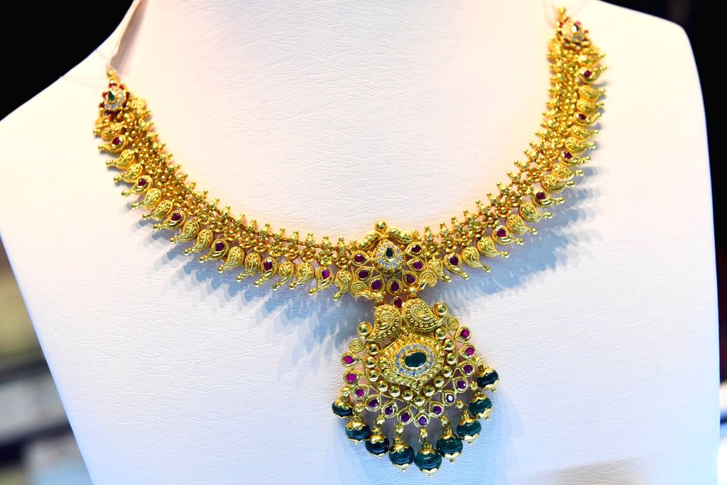 COLOMBO, Aug. 29, 2019 - A necklace is on display at the International Gem and Jewellery show in Colombo, Sri Lanka, on Aug. 29, 2019. The International Gem and Jewellery show, which is held from ...