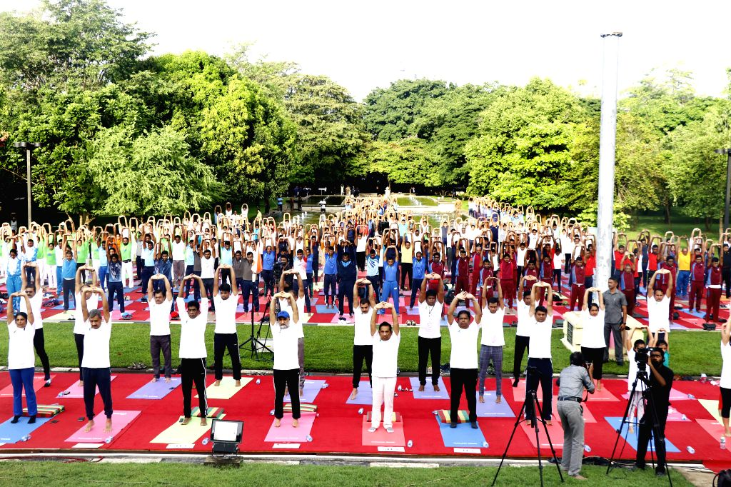 COLOMBO, June 15, 2019 - People practice Yoga in Colombo, Sri Lanka, on June 15, 2019, to greet the upcoming International Yoga Day, which falls on June 21 every year.