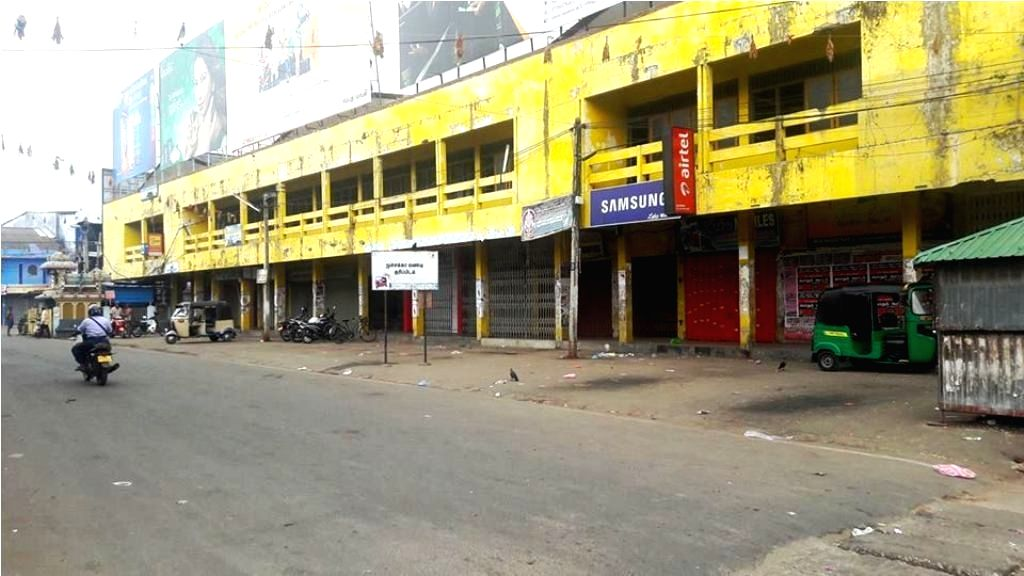 COLOMBO, Oct. 26, 2016 - Photo taken on Oct. 25, 2016 shows the road remained deserted as people took part in a hartal, keeping shops and schools closed to protest against the death of two university ...