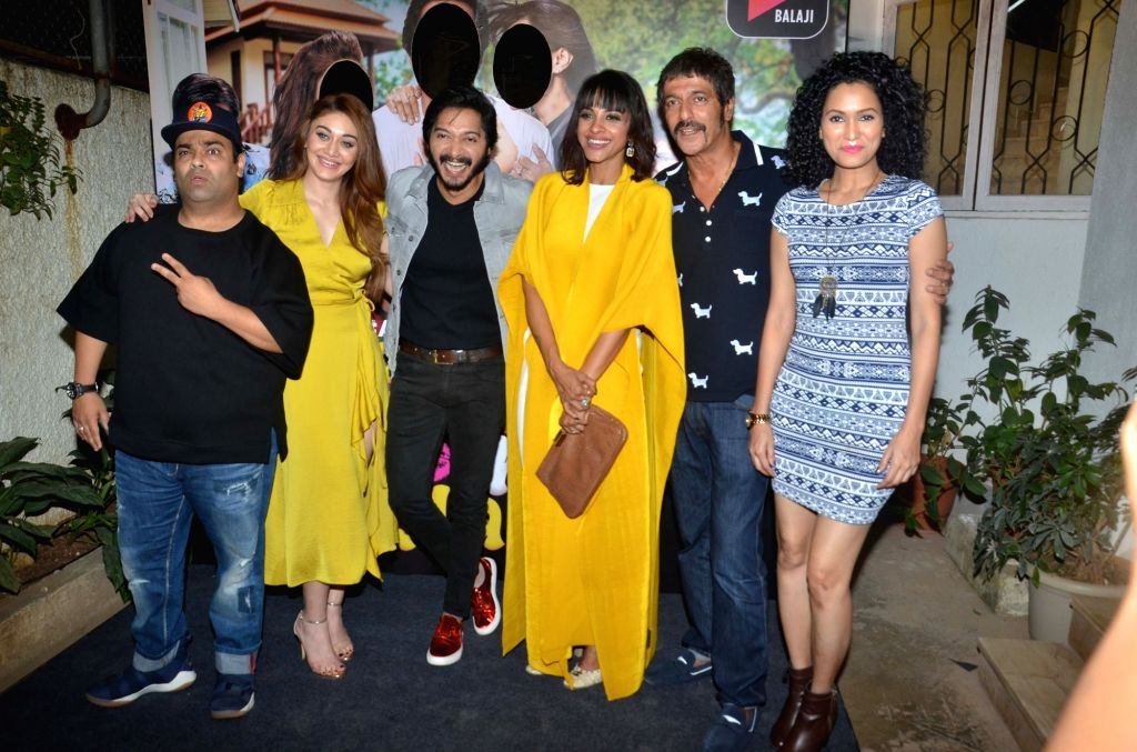 "Comedian Kiku Sharda, actors Chunky Pandey, Shreyas Talpade, Shefali Jariwala and Manasi Scott at the screening of ALT Balaji's ""Baby Come Naa"" web series in Mumbai on Oct 30, 2018. - Chunky Pandey, Shreyas Talpade, Shefali Jariwala and Manasi Scott"