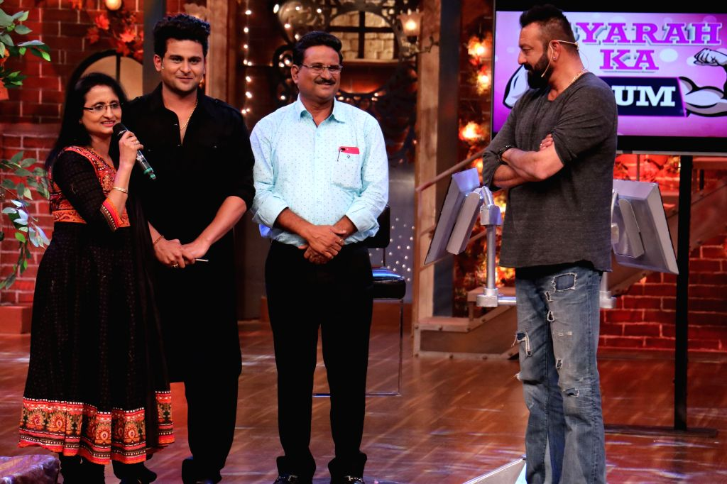 """Comedian Sanket Bhosale emotional upon meeting actor Sanjay Dutt on """"The Drama Company"""". - Sanjay Dutt"""