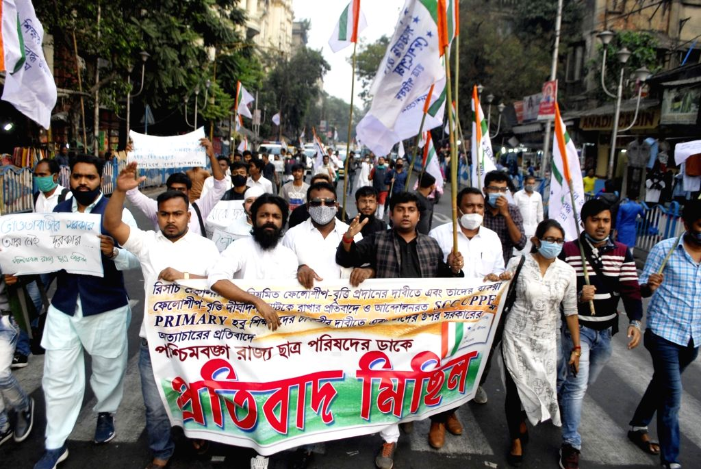Congress activists protest against the West Bengal Government over Education policy, in Kolkata on Dec 4, 2020.