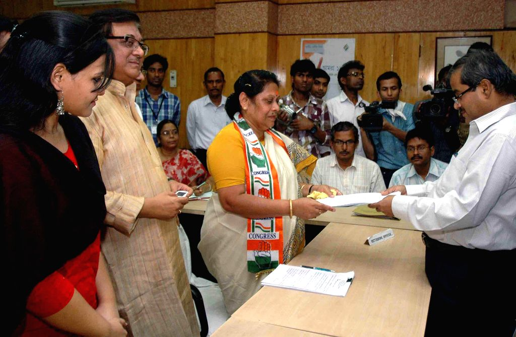 Congress candidate for 2014 Lok Sabha Election from South Kolkata parliamentary constituency, Mala Roy files her nomination papers in Kolkata on April 24, 2014.