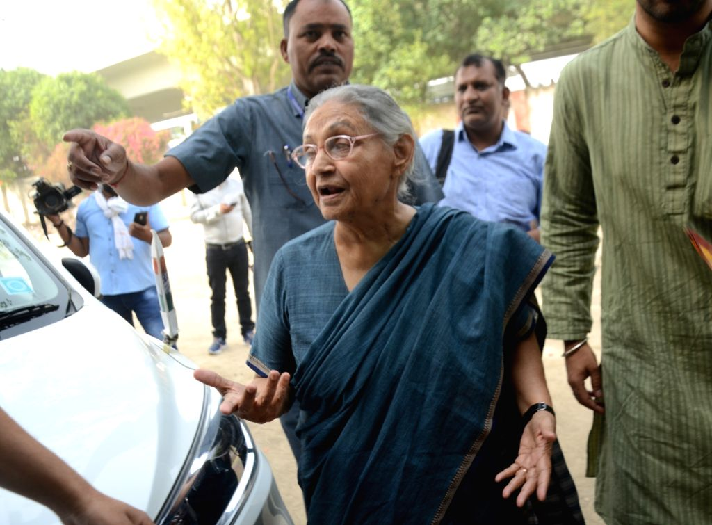 Congress candidate for North-East Delhi Lok Sabha seat, Sheila Dikshit arrives at a polling booth to cast her vote during the sixth phase of 2019 Lok Sabha elections, in New Delhi on May ... - Sheila Dikshit