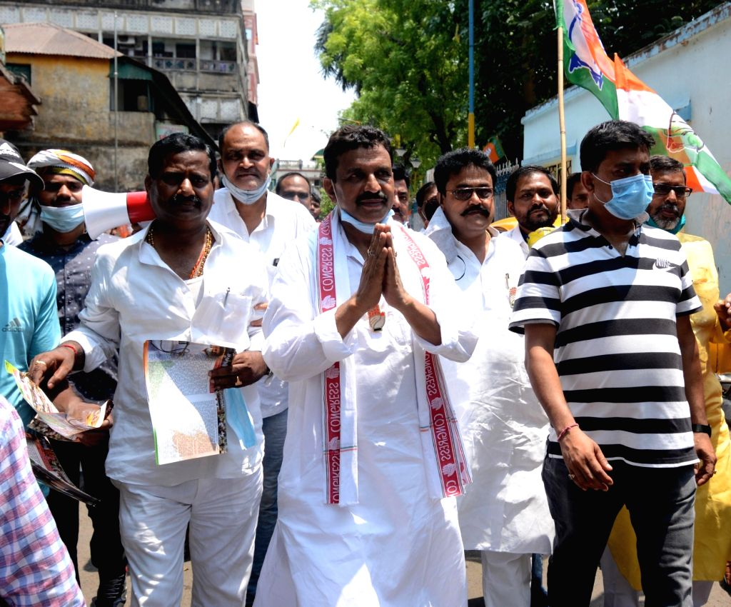 Congress candidate of Chowringhee constituency, Santosh Pathak at a election campaign during the State Assembly election in Kolkata on April 18, 2021 - Santosh Pathak