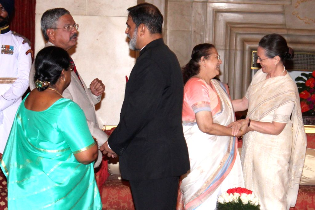 Congress chief Sonia Gandhi and Lok Sabha Speaker Sumitra Mahajan during a `At Home` programme on the occasion of 69th Independence Day at Rashtrapati Bhavan in New Delhi, on August 15, ... - Sumitra Mahajan and Sonia Gandhi