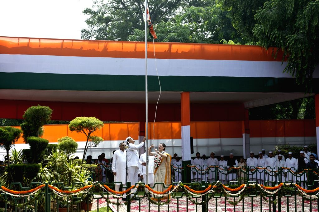 Congress chief Sonia Gandhi hoists the national flag at AICC headquarters on the occasion of 69th ``Independence Day`` celebration in New Delhi, on Aug 15, 2015. - Sonia Gandhi