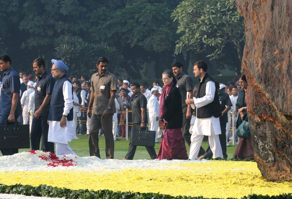 Congress chief Sonia Gandhi, vice president Rahul Gandhi and party leader and former prime minister Dr Manmohan Singh at the memorial of the former Prime Minister Indira Gandhi, on her ... - Sonia Gandhi, Rahul Gandhi and Manmohan Singh