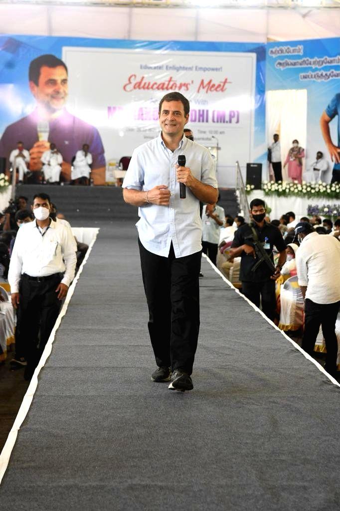 Congress er Rahul Gandhi interacts with the Professors at St. Xavier???s College, Tirunelveli, Tamil Nadu on 28th February 2021 - Leader Rahul Gandhi
