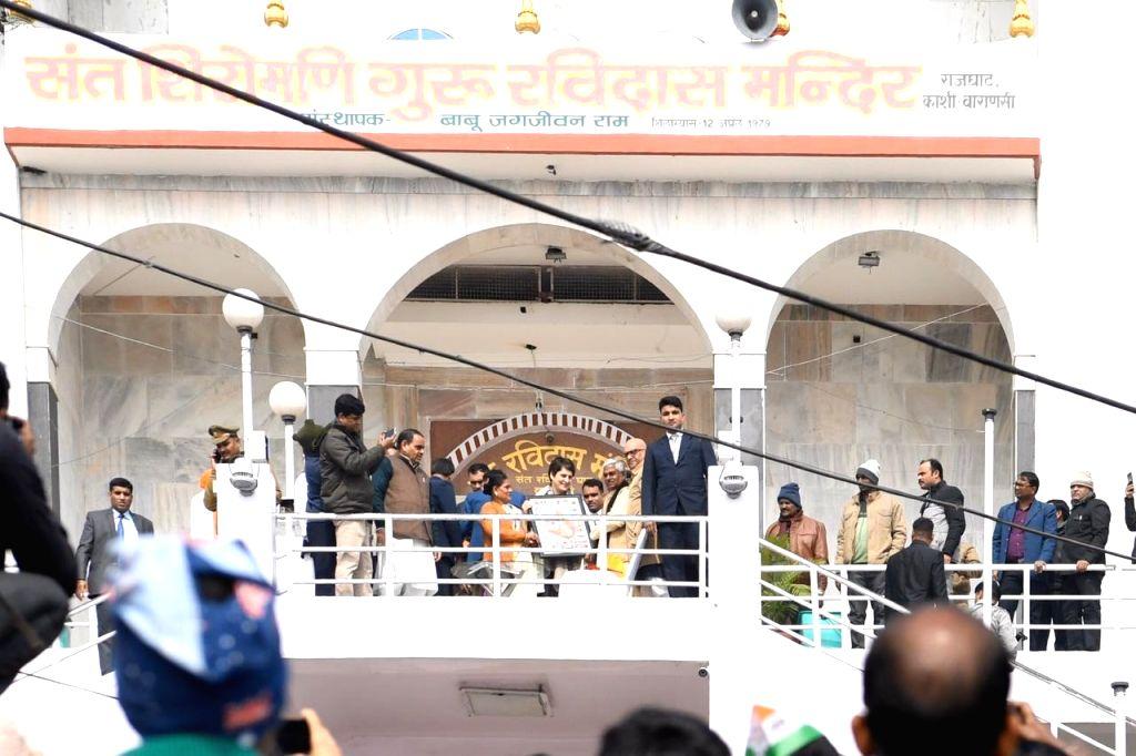 Congress General Secretary Priyanka Gandhi Vadra during her visit to the Sant Shiromani Guru Ravidas Temple at Rajghat in Varanasi on Jan 10, 2020.