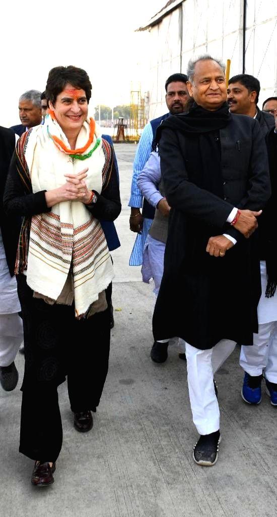Congress General Secretary Priyanka Gandhi Vadra being received by Rajasthan Chief Minister Ashok Gehlot on her arrival in Jaipur on Jan 10, 2020. - Ashok Gehlot