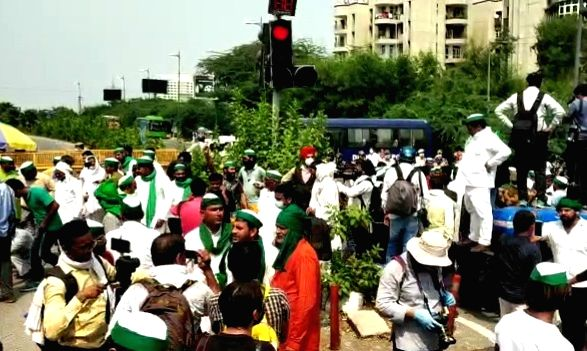 Congress joins farmers during their 'Chakka Jaam' protest over Agri Bills, security beefed up at Delhi-Noida Border.