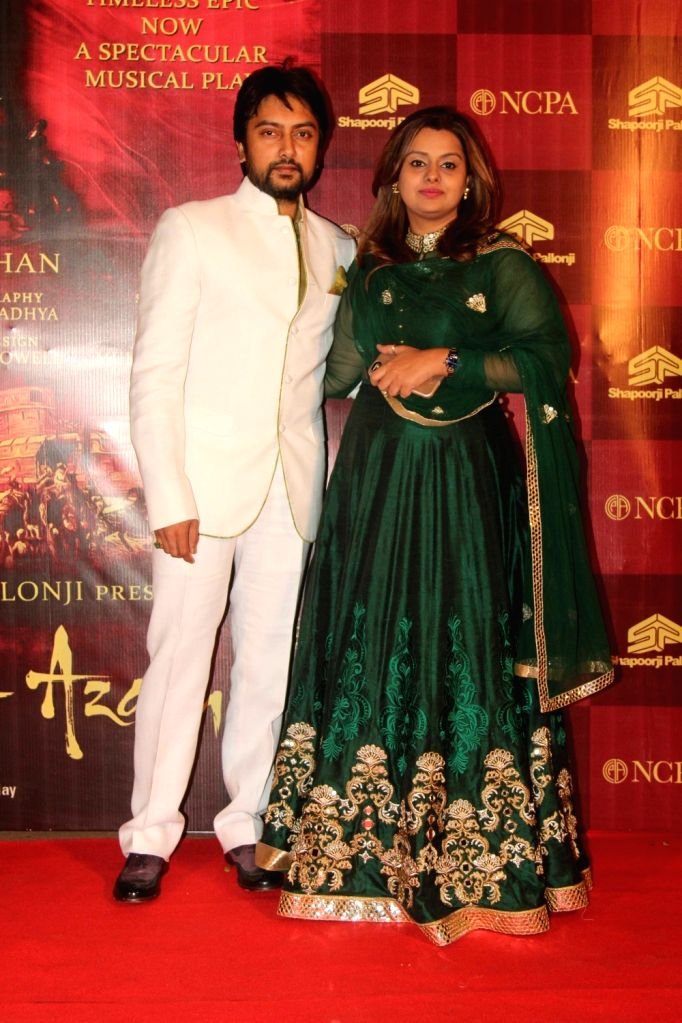 Congress leader Dheeraj Deshmukh along with his wife Deepshika Bhagnani during the red carpet of musical play Mughal E Azam, in Mumbai,  on Oct 21, 2016. - Dheeraj Deshmukh