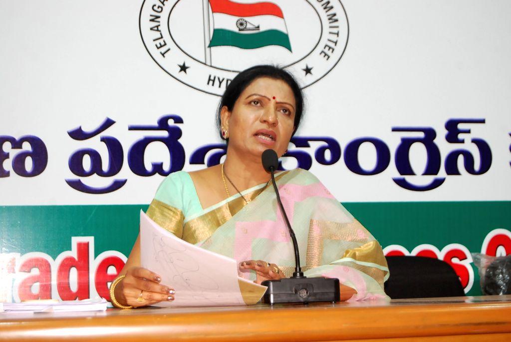 Congress leader DK Aruna addresses a press conference in Hyderabad on April 16, 2016.