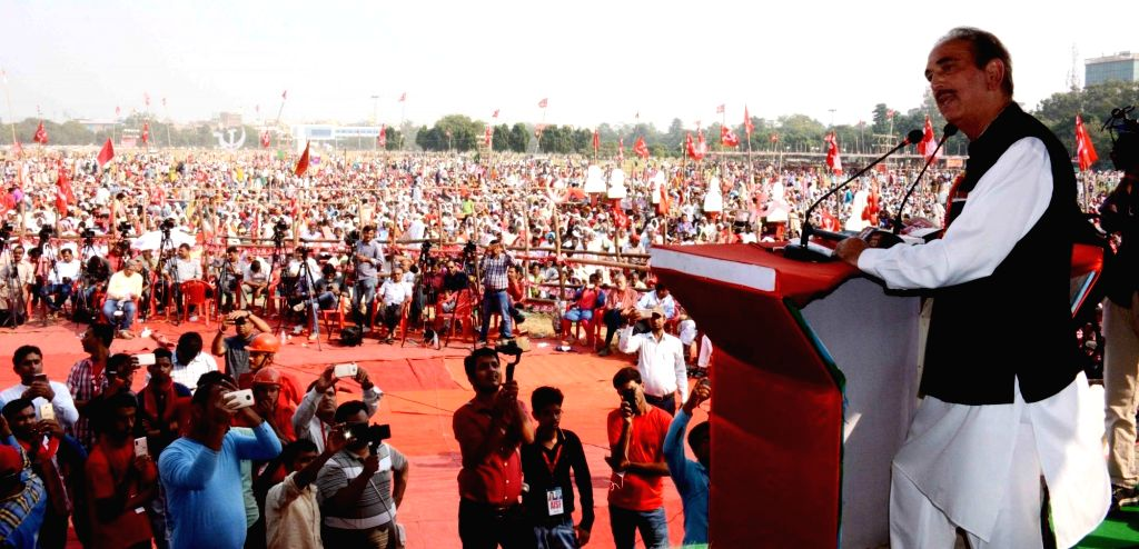 Congress leader Ghulam Nabi Azad addresses during 'BJP Bhagao, Desh Bachao' rally organised by CPI and CPI-ML in Patna, on Oct 25, 2018.