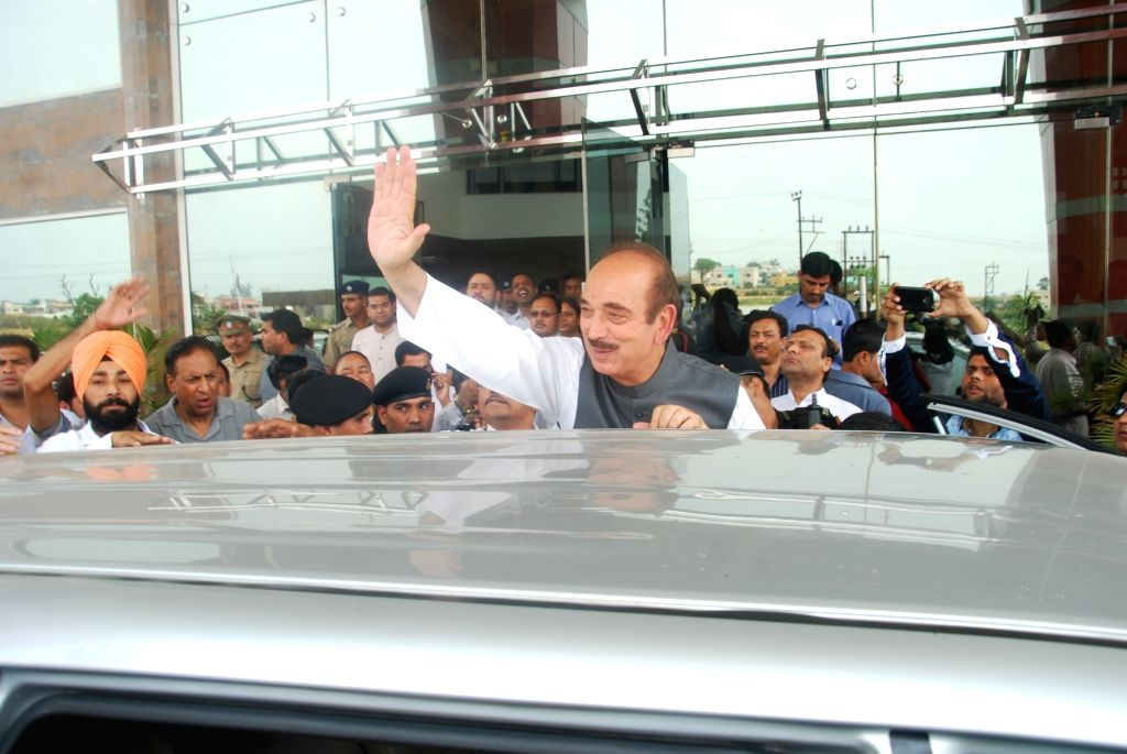 Congress leader Ghulam Nabi Azad leaves Dehradun after Congress-led by ousted Uttarakhand Chief Minister Harish Rawat won the trust vote in the state assembly on May 10, 2016. - Harish Rawat