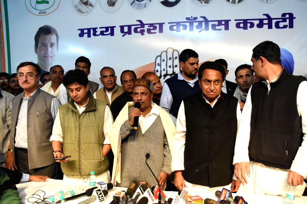 Congress leader Jyotiraditya Scindia, party observer AK Antony with Kamal Nath and other leaders during a press conference announcing Kamal Nath as the next Chief Minister of Madhya Pradesh ... - Kamal Nath
