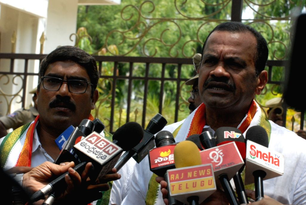 Congress leader Komatireddy Venkat Reddy talks to the press after meeting Hyderabad Police Commissioner M Mahender Reddy, in Hyderabad on May 24, 2018. - Komatireddy Venkat Reddy