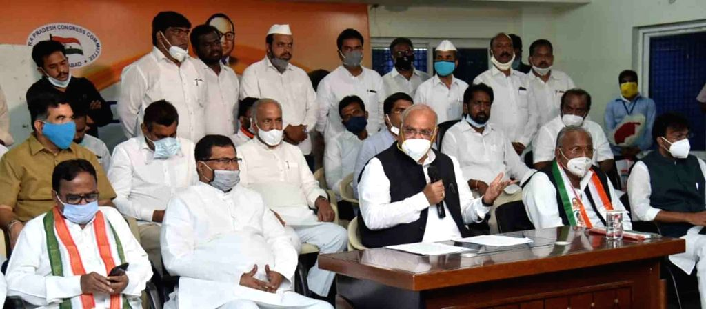 Congress leader Mallikarjun Kharge addresses a press conference in Hyderabad on Sep 25, 2020.