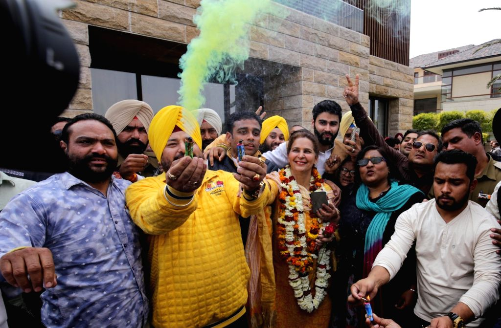 Congress leader Navjot Kaur Sidhu celebrates party's victory in the Punjab assembly elections in Amritsar on March 11, 2017. - Navjot Kaur Sidhu
